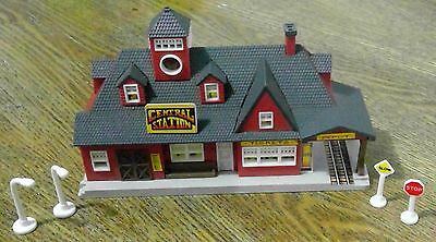 Micro Machines CENTRAL TRAIN Station City Scenes 1992 Lewis Galoob Toys (#42)