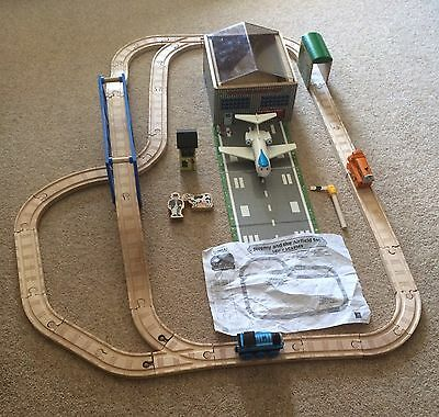 Wooden Thomas Jeremy & The Airfield Track Set Plane Train Bridge Tunnel