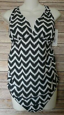 Liz Lange Maternity Swimsuit One Piece Black White Chevron Sz Large NEW