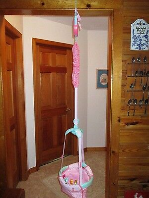 Taggies Jumper JUMPUP  Baby Girl Pink Doorway Exerciser Bouncer Door Jump .