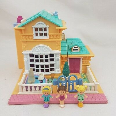 Polly Pocket Light Up Hotel figures  1994  Bluebird  Excellent Condition