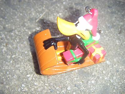 Christmas Key Ring Daffy Duck PVC WB Sled Warner Brothers Looney Tunes cute VGC