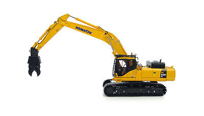 KOMATSU PC400LC SHORT ARM BOOM DEMO EXCAVATOR - 1:50 Scale by Universal Hobbies