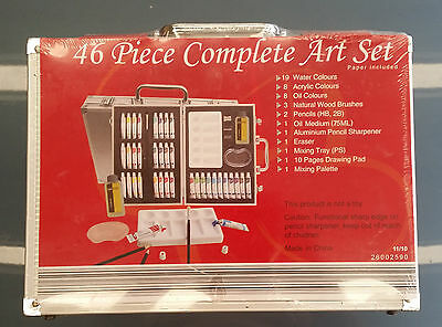Art set - 46 piece in aluminium case