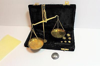 Portable Vintage Set Apothecary jewelry Scale with case gram fractions 7 Weights
