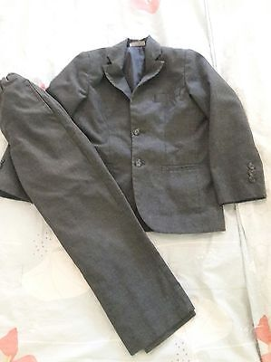 Boys Suit dark gray size 5/6 EUC