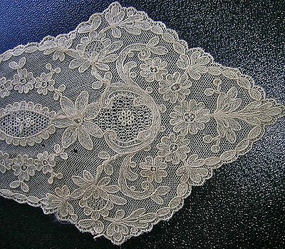 Elegant Antique Hand Made Victorian Tambour Net Lace Lady's Collar Floral Motif