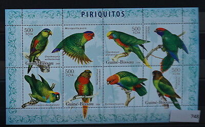 S0 0748 Birds Oiseau Vogel Guinea-Bissau MNH 2006 Parrots Sheet of 8