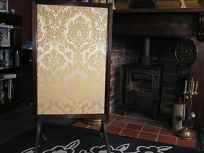 A 19th CENTURY MAHOGANY 3-WAY FIRE SCREEN WITH SWEPT SQUARE LEGS AND  CASTORS