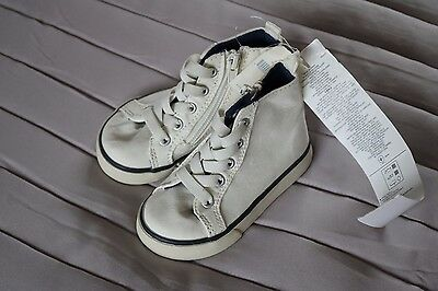 BRAND NEW GAP baby unisex trainers - size 9-12 months