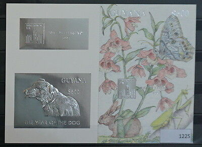 S0 1225 Wild Animals Guyana MNH 1994 Silver Foil Dog Delux