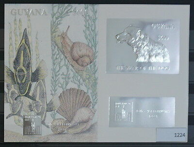 S0 1224 Wild Animals Guyana MNH 1994 Silver Foil Dog Delux