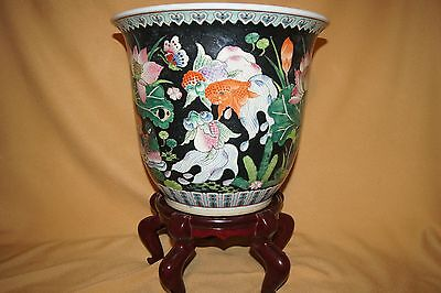 Large Chinese Planter With Koi Fish, Birds and Butterfly