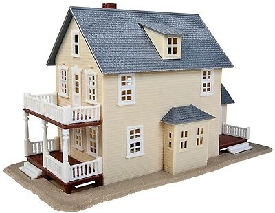Walthers Trainline Two-Story House Ho Scale 1:87  Model 931-901