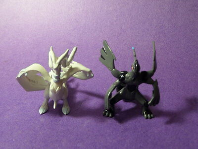 U3 Tomy Pokemon Figure 5th Gen   Reshiram Zekrom