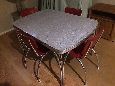 Vintage Dinette Table With 4 Chairs