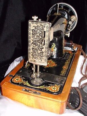 Working Condition 1920 Singer 128-4 Sewing Machine Wood Dome Case