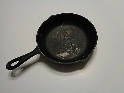 Vintage Cast Iron Pan No. 5 Made In Usa 8 1/8 In