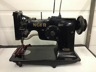 Singer 107W3   Zig Zag  Heavy Duty    Industrial Sewing Machine