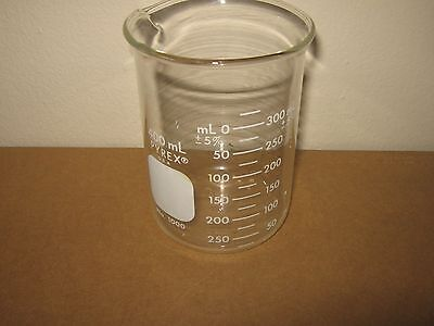Pyrex® #1000 Griffin Low Form, Glass Beaker, 400ml -  Single