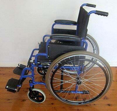 Mobility Folding manual/self-propelled wheelchair.