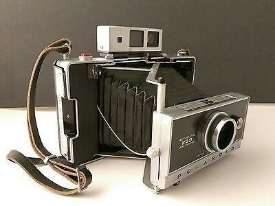 Vintage Polaroid 250 Land Camera Zeiss VF with Case Flash and Flash Bulbs