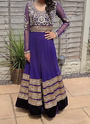 purple size 6-  8 /Indian/ Pakistani/bollywood/dress/ suit - includes scarf