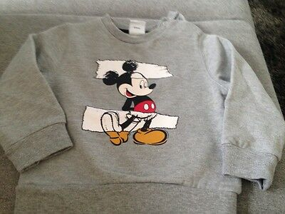 Superbe sweat Mickey taille 24 mois