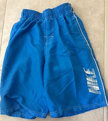 NIKE BOYS SIZE Medium SWIMSUIT MESH LINED SOLID ROYAL BLUE BOARD SHORTS GREAT