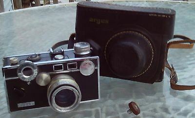 Vintage Argus C-3 Rangefinder Camera The Brick w/ Cintar Lens in Leather Case
