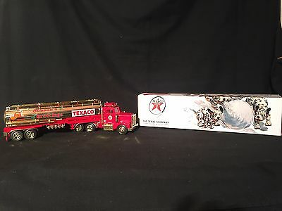 1998 Texaco Holiday Fire-Chief - Gold Limited Edition Toy Tanker Truck TMT-18119