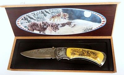 Beautiful Wolf Pocket Folding Knife, with Gift box Collectors item (PK865W)