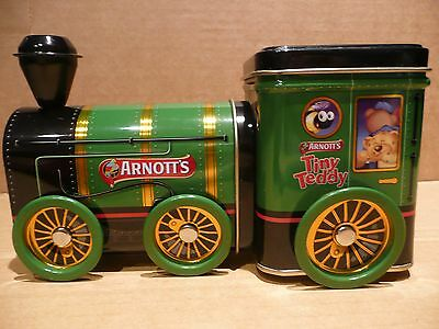 Lovely Arnott's Tiny Teddy green tin train Excellent condition