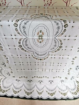 """PRETTY LARGE WHITE POLYESTER SPANISH LACE RECTANGLE TABLECLOTH~58"""" x 76""""~ floral"""