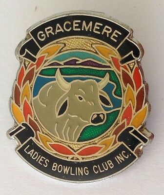 Gracemere Ladies Bowling Club Badge Pin Cattle Bull Design Rare Vintage (M16)