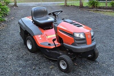 Husqvarna CTH19530 Ride on mower with catcher