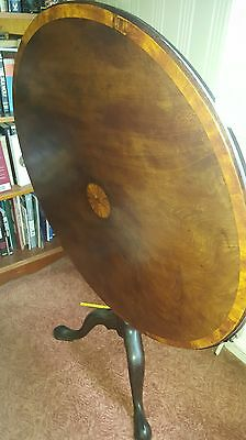 Georgian Round Mahogany Tilt Top Occasional Small Table..
