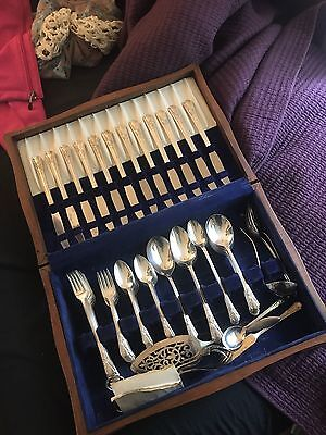 rogers bros 1847 silverplate flatware complete set