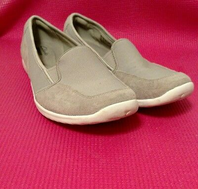 Womens Clarks Slip-On Gray Suede Loafers #13291 Size 10M
