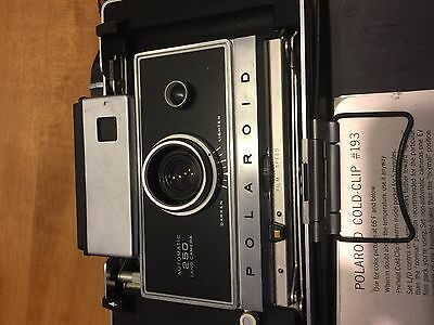 Polaroid 250 Land Camera Automatic With Blue Flash Bulb And Large Case