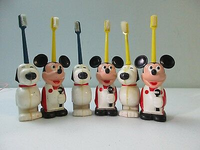 Vintage 1972 4 Snoopy and 3 Mickey Mouse toothbrushes +