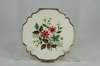 Vtg Stratton Enamel Compact White Floral Scalloped Edge Gold Tone Small
