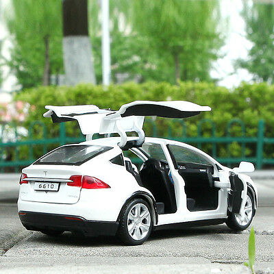 Tesla Model X SUV 1:32 Metal Diecast Model Car Toy Collection Sound&Light White