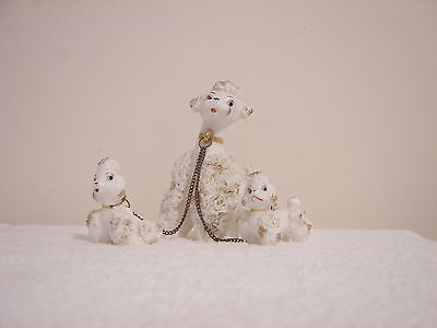 Vintage White  Spaghetti Poodle With 2 Puppies