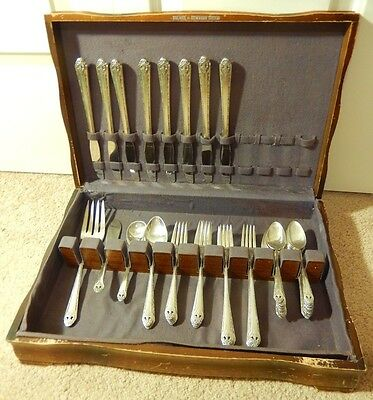 Antique 1937 Set of 46 pcs HOLMES EDWARDS Silverplate Flatware LOVELY LADY Chest