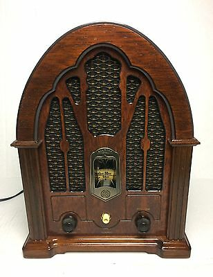 General Electric Cathedral Model 7-4100JA AM/FM Radio * Works