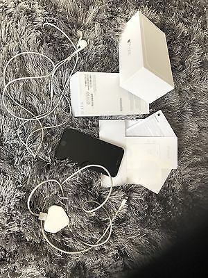 Apple iPhone 6 - 16GB - Silver (LOCKED To EE) Smartphone