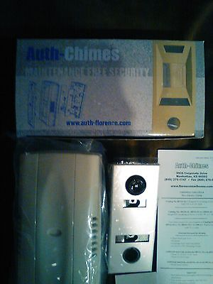 Florence Auth Chimes (686101-01) Door Chime w/ Peep Viewer Lens