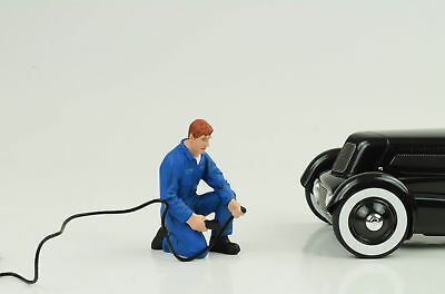 Mechanic Air Tyres Figurine Figurines Garage 1:18 AMERICAN DIORAMA NO CAR