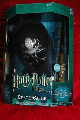 Death Eater Voice Changing Mask & Electronic Wand - Corgi - Harry Potter Phoenix